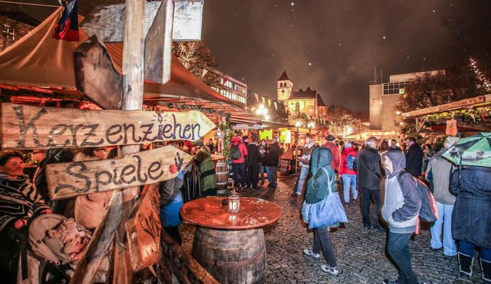 Pforzheimer Weihnachtsmarkt.Pforzheimer Weihnachtsmarkt Eröffnet Feuer Und Flamme Für Die Neue